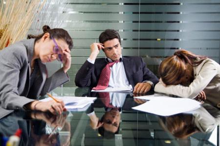 """Đừng """"làm ngơ"""" khi nhân viên chán việc"""