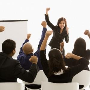Khích lệ tinh thần làm việc nhóm