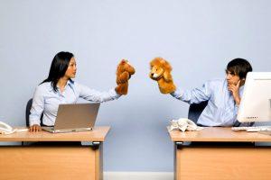 Làm thế nào để giải quyết mâu thuẫn trong công việc?
